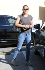 JENNIFER GARNER in Jeans Out in Santa Monica 10/11/2017