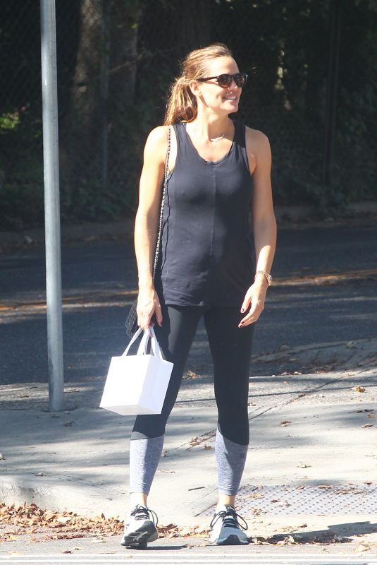 JENNIFER GARNER Leaves a Gym in New York 10/06/2017