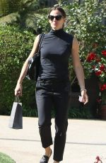 JENNIFER GARNER Out and About in Los Angeles 10/13/2017