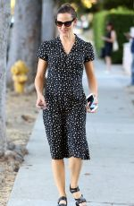 JENNIFER GARNER Out and About in Los Angeles 10/25/2017