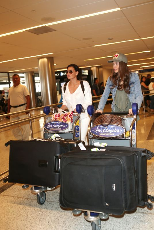 JESSICA and NATALYA WRIGHT at LAX Airport in Los Angeles 10/23/2017