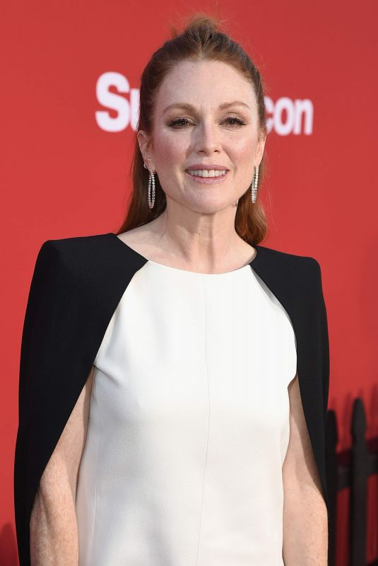 JULIANNE MOORE at Suburbicon Premiere in Westwood 10/22/2017