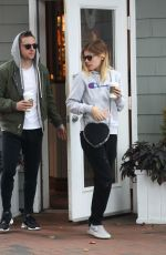 KATE MARA and Jamie Bell Out for Coffee in New York 10/08/2017
