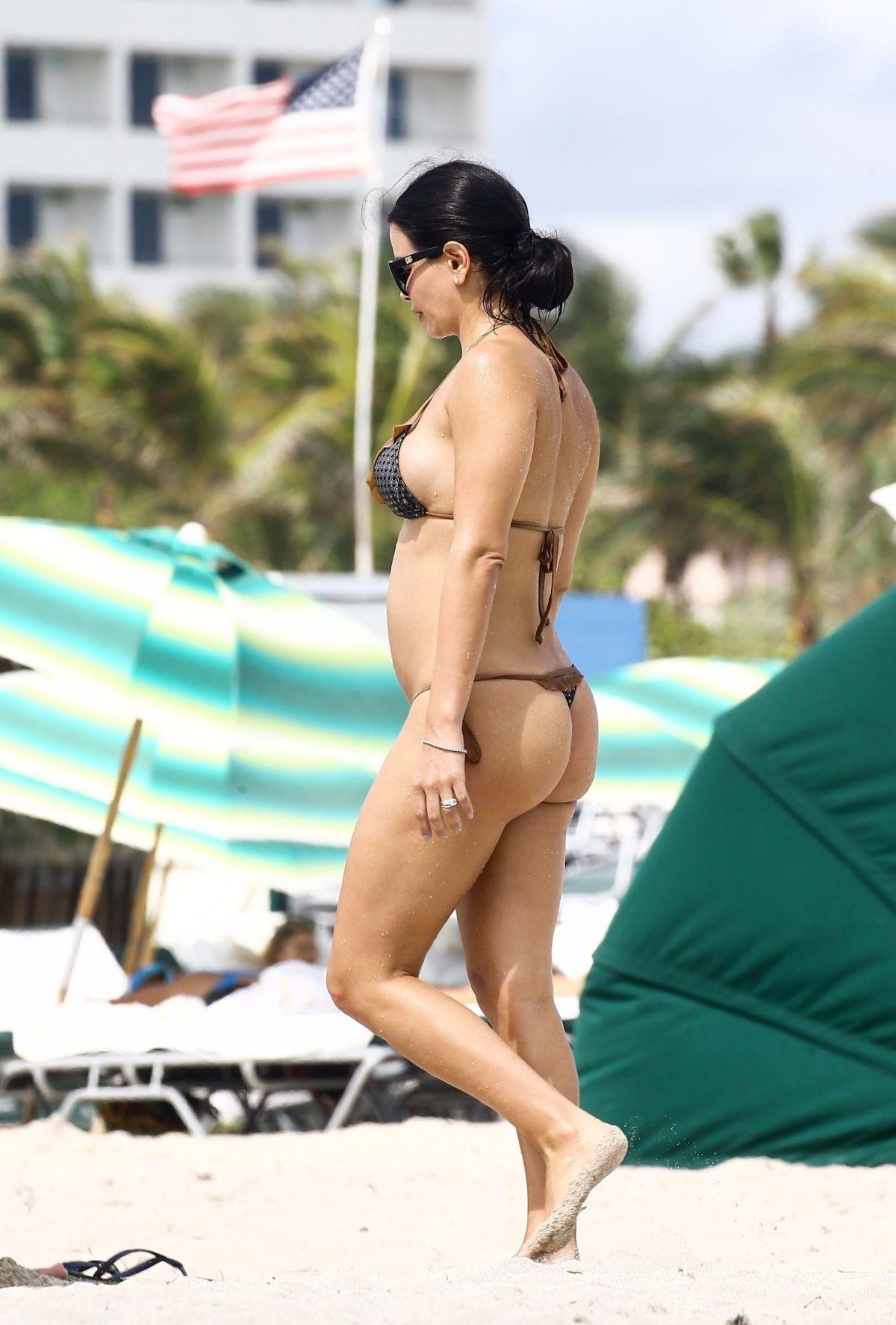 Kathy Picos in Bikini on the beach in Miami Pic 33 of 35