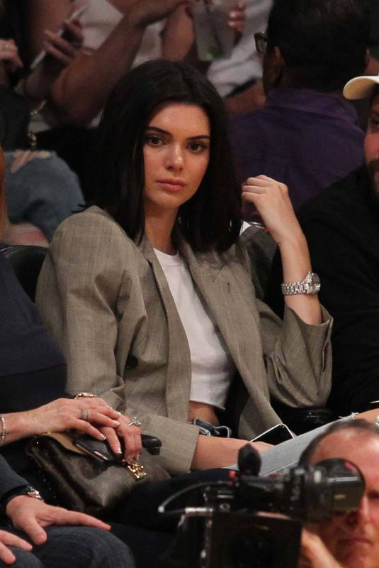 KENDALL JENNER at Lakers Game in Los Angeles 01/19/2017