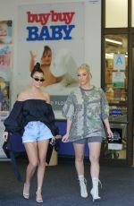 KIM and KOURTNEY KARDASHIAN Shopping at Bbuybuy Baby in Calabasas 10/09/2017