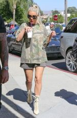KIM KARDASHIAN Out and About in Calabasas 10/09/2017