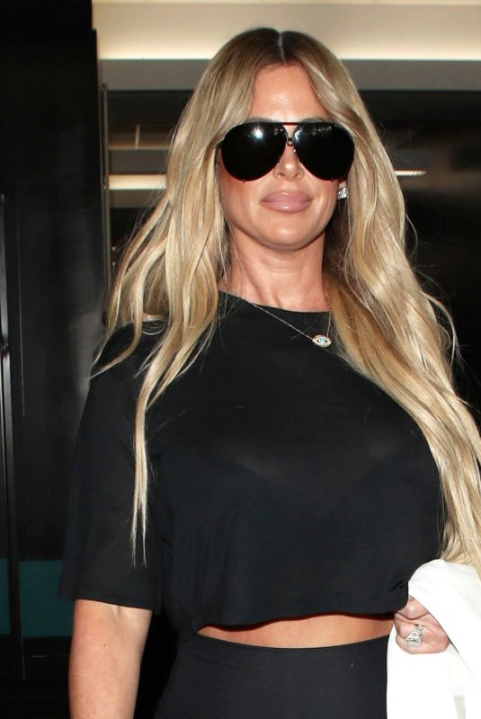 KIM ZOLCIAK at Los Angeles International Airport 10/12/2017