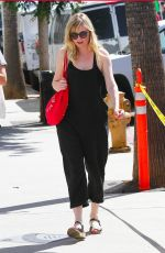 KIRSTEN DUNST Shopping at Farmers Market in Studio City 10/08/2017