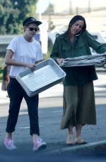 KRISTEN STEWART Feeds the Homeless in Santa Monica 10/19/2017