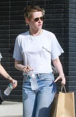 KRISTEN STEWART Out for Lunch in Los Angeles 10/01/2017