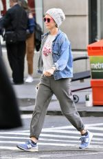 KRISTEN WIIG Heading to a Gym in New York 10/02/2017