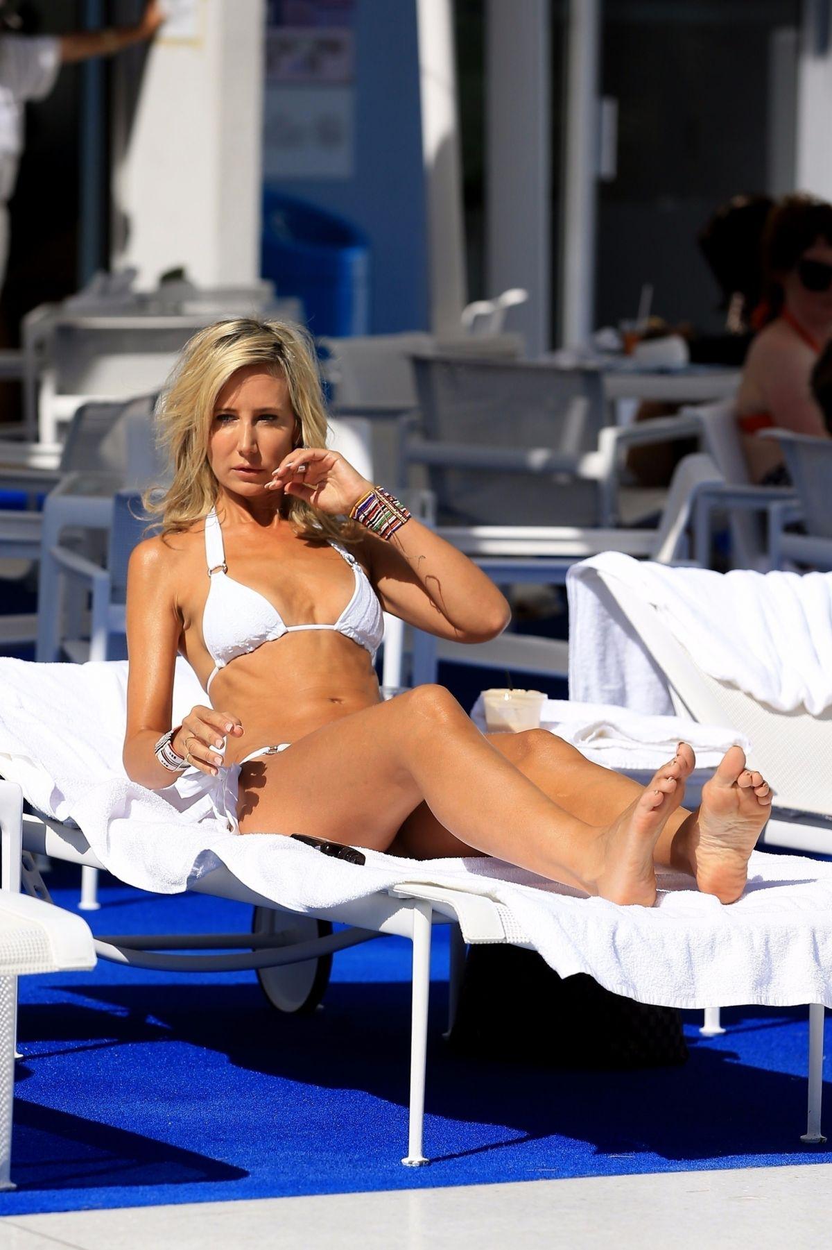 bikini 2017 hollywood - photo #28