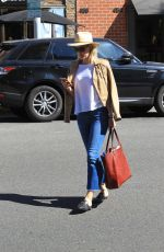 LESLIE BIBB Out Shopping in Beverly Hills 10/27/2017