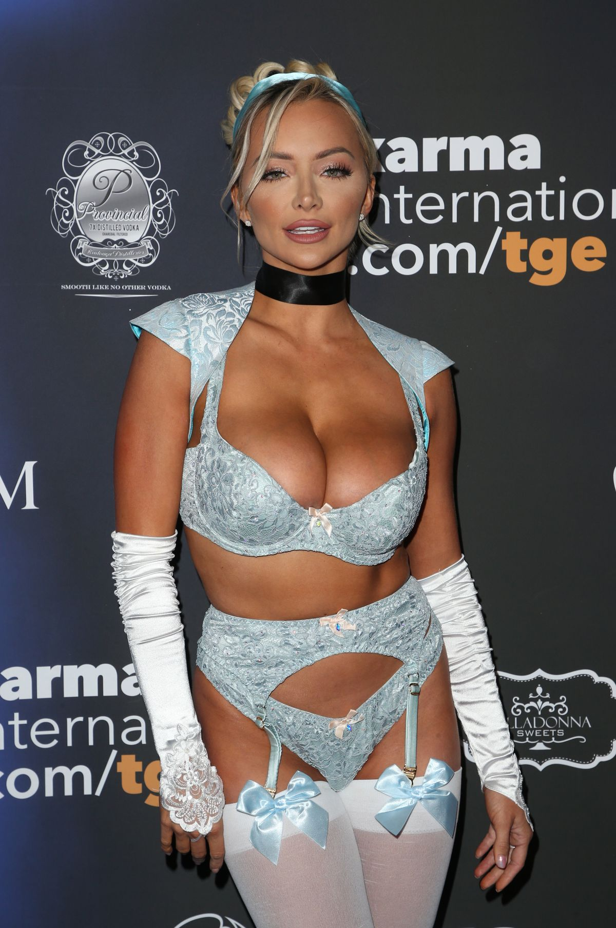 lindsey pelas at 2017 maxim halloween party in los angeles 10212017