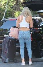 LINDSEY VONN Arrives to Her Home in Studio City 10/18/2017