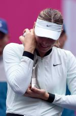 MARIA SHARAPOVA Wins WTA Tianjin Open 10/15/2017