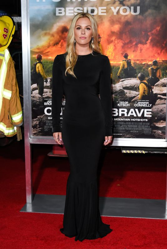 NATALIE HALL at Only the Brave Premiere in Westwood 10/08/2017