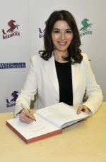 NIGELLA LAWSON Signing Her New Book At My Table: A Celebration of Home Cooking in Bluewater Shopping Centre 10/25/2017