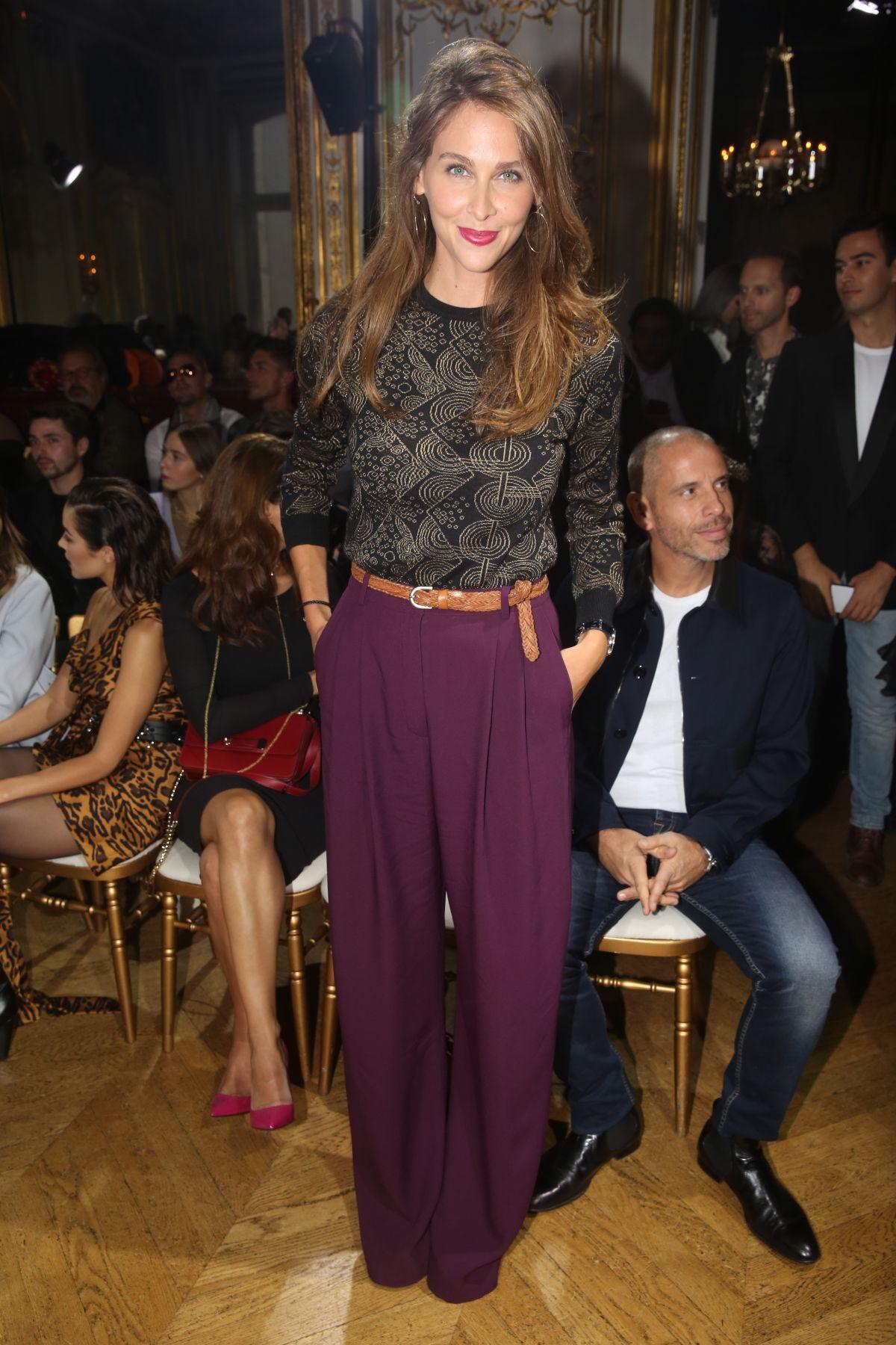 Ophelie meunier john galliano fashion show in paris