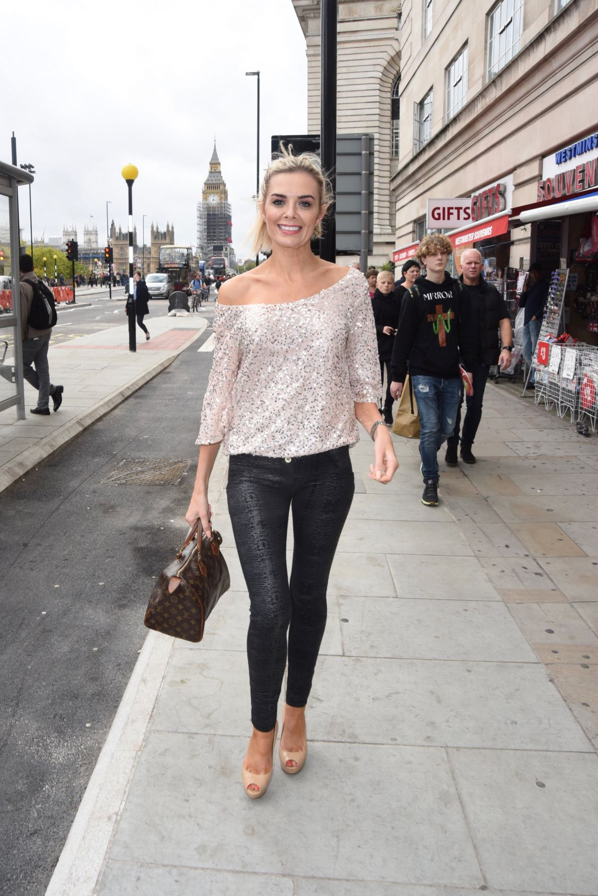 Orlaith Mcallister Shower Best orlaith mcallister out and about in london 10/14/2017 - hawtcelebs