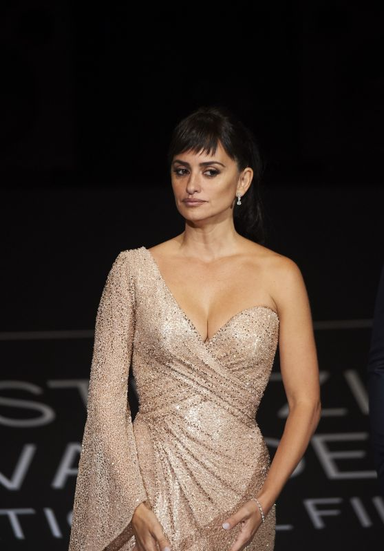 PENELOPE CRUZ at Loving Pablo Premiere at 65th San Sebastian Film Festival 09/30/2017