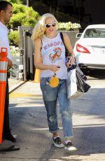 Pregnant GWEN STEFANI Leaves XIV Karats in Beverly Hills 10/06/2017