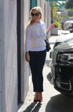 REESE WITHERSPOO Out Shopping in Santa Monica 10/12/2017