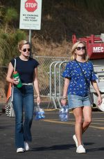 REESE WITHERSPOON and AVA PHILLIPPE at Tennessee