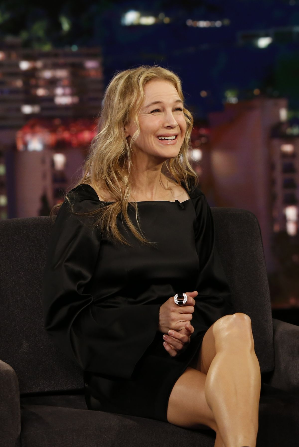 RENEE ZELLWEGER at Jimmy Kimme Live 10/11/2017 - HawtCelebs
