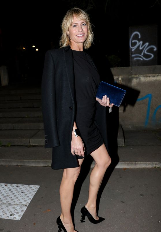 ROBIN WRIGHT at Saint Laurent Fashion Show at Paris Fashion Week 09/26/2017