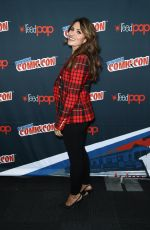 SARAH SHAHI at Reverie Panel at New York Comic-con 10/07/2017
