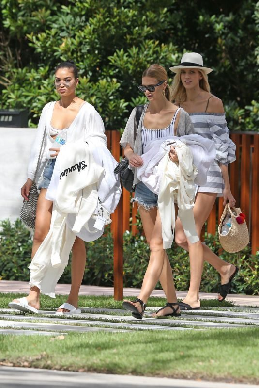 SHANINA SHAIK, OLIVIA CULPO, DEVON and ALEX WINDSOR, HANNAH FERGUSON and NADINE LEOPOLD Leaves Devon's Home in Miami 10/21/2017