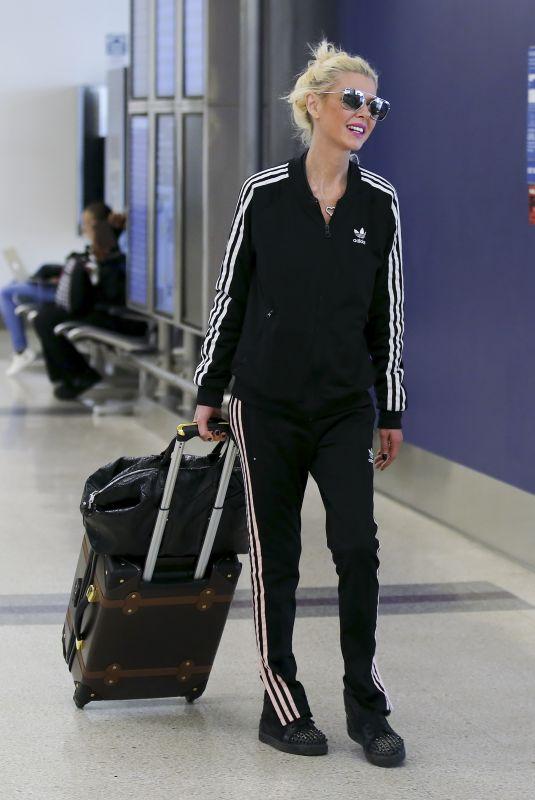 TARA REID at LAX Airport in Los Angeles 10/29/2017