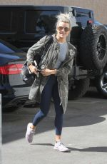 WITNEY CARSON Heading to a Dance Studio in Los Angeles 10/10/2017