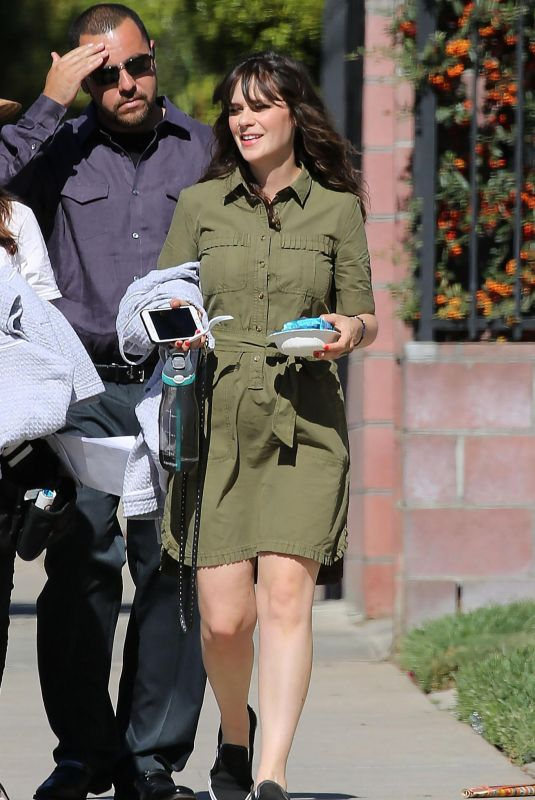 XOOEY DESCHANEL on the Set of New Girl in Los Angeles 10/26/2017
