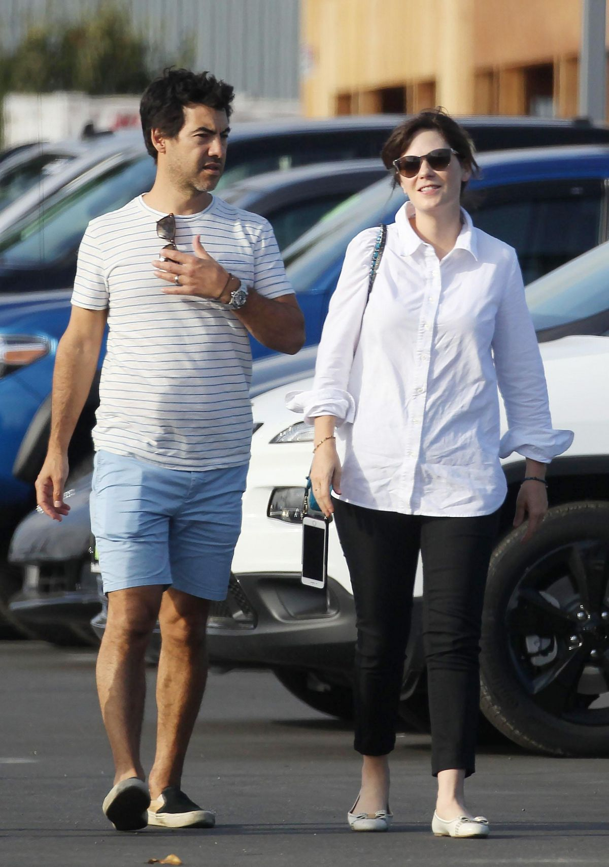 zoey deschanel and her husband jacob pechenik shopping for