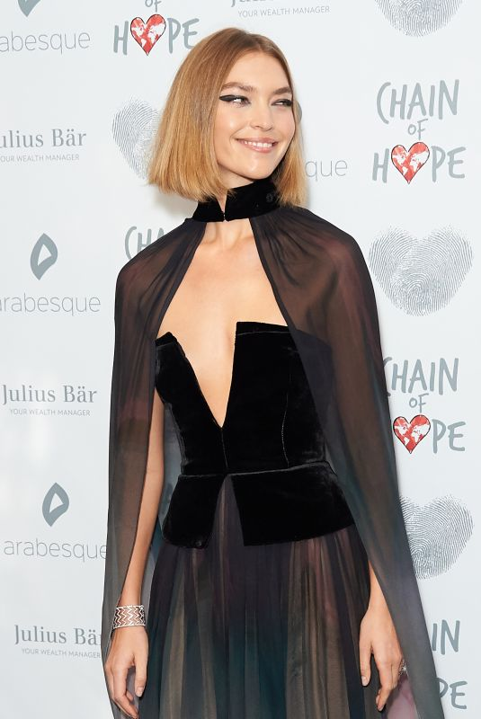 ARIZONA MUSE at Chain of Hope Gala in London 11/17/2017