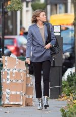 ARIZONA MUSE Out for Lunch in Notting Hill 11/23/2017