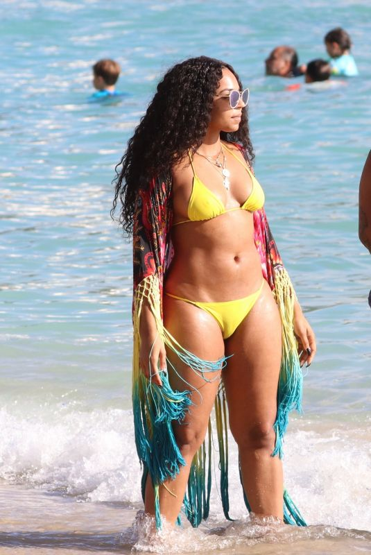 ASHANTI in Bikini at a Beach in Hawaii 11/21/2017