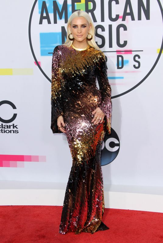 ASHLEE SIMPSON at American Music Awards 2017 at Microsoft Theater in Los Angeles 11/19/2017