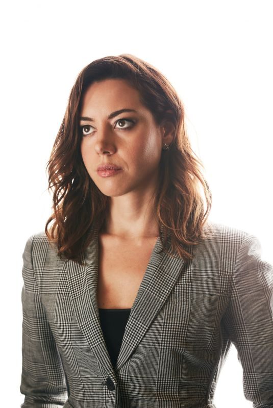 AUBREY PLAZA for Buzzfeed, November 2017