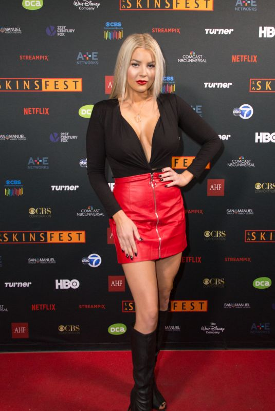 BAYLEE CURRAN at Murder in the Woods Screening at LA Skins Fest 2017 11/19/2017