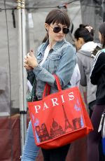 CAMILLA BELLE Shopping at Farmer