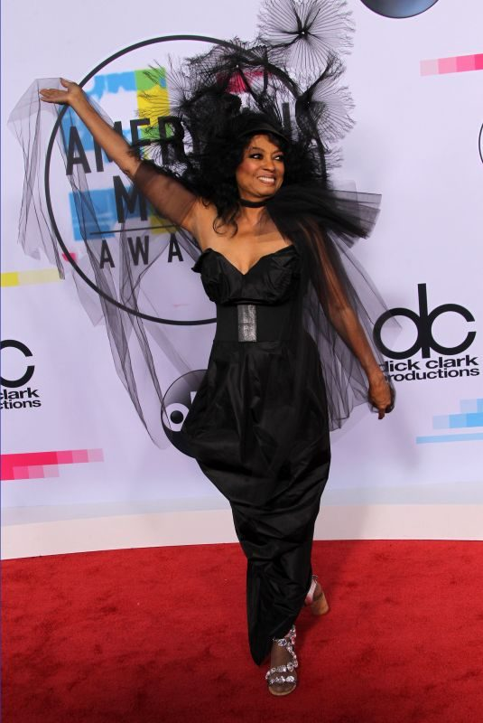 DIANA ROSS at American Music Awards 2017 at Microsoft Theater in Los Angeles 11/19/2017
