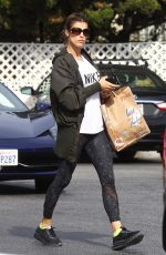 ELISABETTA CANALIS Shopping at Bristol Farms in Beverly Hills 11/16/2017