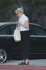 ELIZABETH BANKS Out and About in Los Angeles 11/06/2017