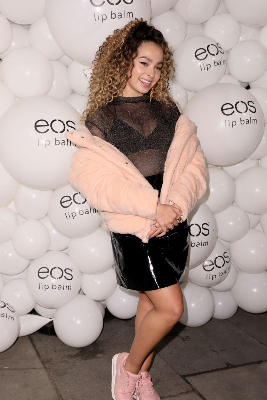 ELLA EYRE at Eos Lip Balm Winter Lips Party in London 11/14/2017