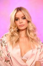FRIDA AASEN on the Backstage at 2017 VS Fashion Show in Shanghai 11/20/2017