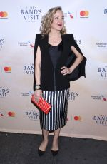 GENEVA CARR at 2017 Humane Society Gala in New York 11/10/2017